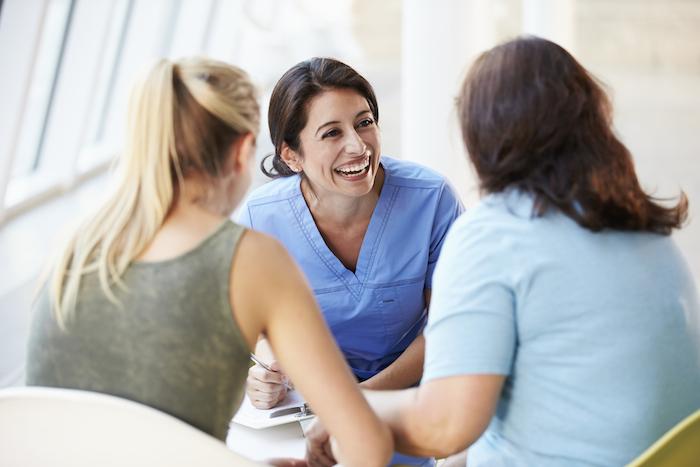 Equipos de enfermeras autodirigidos que crean un impacto positivo en la sociedad